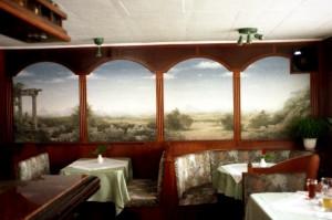 Dreidimensionale Wandmalerei in Form einer italieneischen Landschaft.